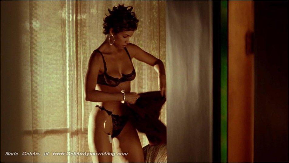 Halle Berry Nude Gallery 119