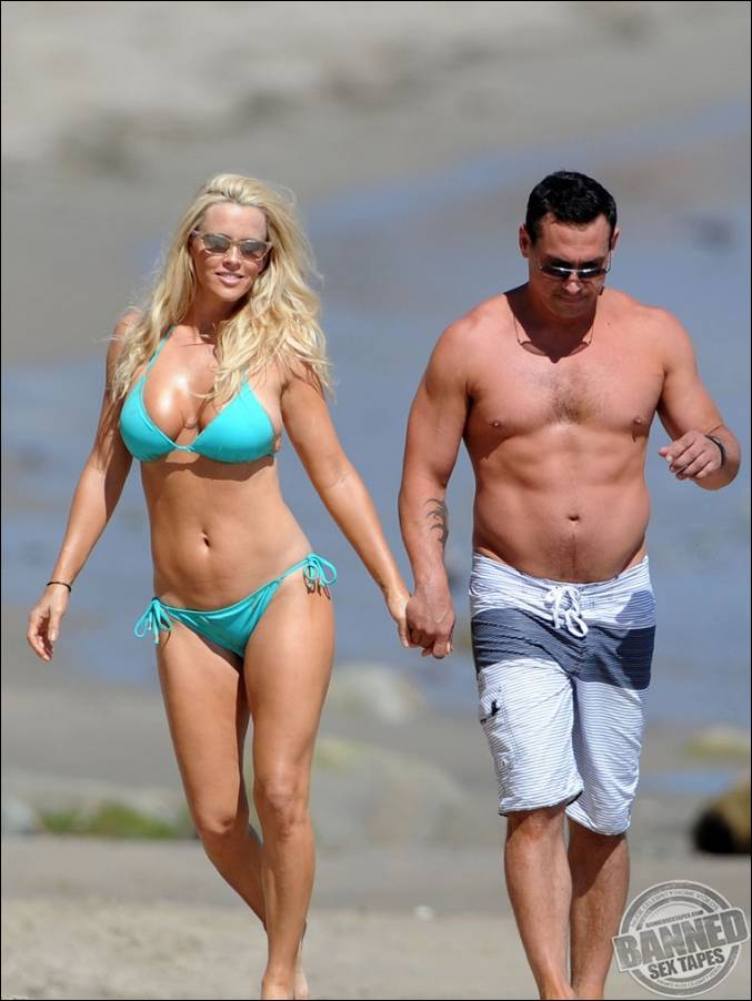 WORLDS BIGGEST AND BEST RATED CELEBRITY MEGASITE! - JOIN TODAY!: www.famous-people-nude.com/bannedtapes/jenny-mccarthy/647985.html